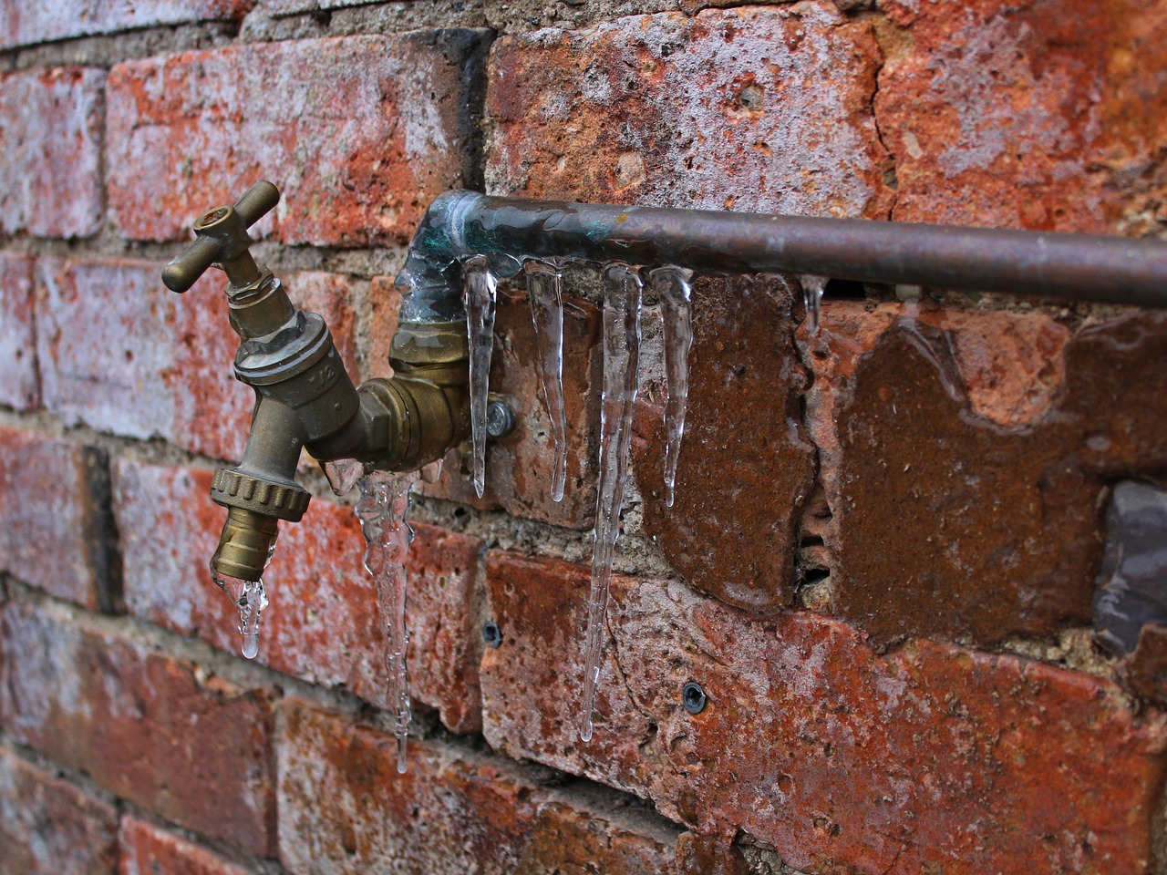 3 Steps to Take When Your Pipes Burst